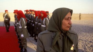 صورة ست نساء من القيادة العسكرية والمجلس المركزي لزمره  مجاهدي خلق يهربن من معسكر الزمره  في ألبانيا