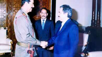 صورة تعاون زمره مجاهدي خلق مع صدام لقمع الشعب العراقي