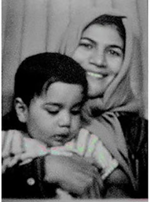 Amir and his mother in 1985