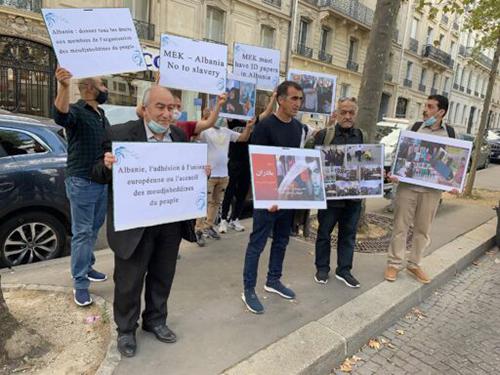 Former MEK members in Paris visit Albanian Embassy