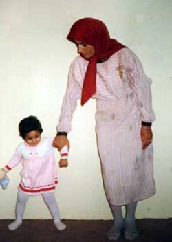 batoul soltani and her child