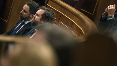 Photo of MEK Terrorists paid salaries for two leaders of Spain's far-right Vox