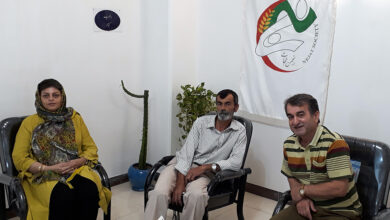 تصویر از دیدار با خانواده محمود دهقان از اسیران رجوی در زندان مانز آلبانی