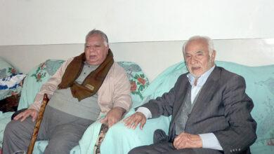 Photo of ملاقات اعضای دفتر انجمن نجات یزد با خانواده احمد حائری