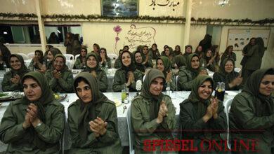 Photo of تمرینات مجاهدین در آلبانی؛ هفتهای ۳ بار بریدن گلو با چاقو