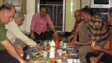 Photo of مراسم افطاری خانواده ها و دعا برای رهایی عزیزانشان – قسمت اول