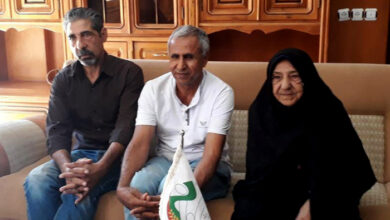 Photo of دیدار محمد تورنگ با مادر و برادر اسماعیل گرجی