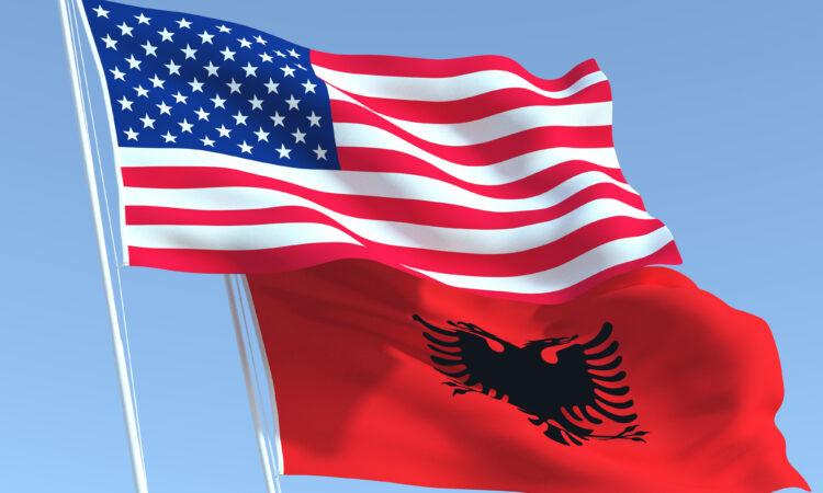 آمریکا و آلبانی