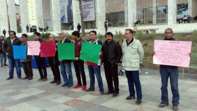Photo of Të larguarit e ish organizatës terroriste MEK protestojnë në qendër të Tiranës, kërkojnë statusin e azilantit
